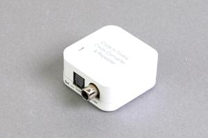 デジタル音声信号 コンバーター : 同軸デジタル(RCA) ⇒ 光角形端子 / 光角形端子 ⇒ 同軸デジタル(RCA)