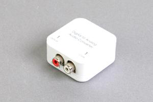デジタル音声信号 コンバーター : 同軸デジタル(RCA)/光角形デジタル音声 ⇒ アナログ音声(RCA×2)
