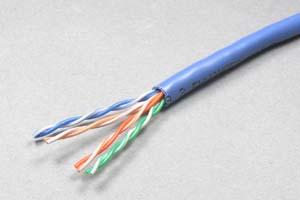 カテゴリ 5E  UTP 単線 バルクケーブル