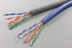 カテゴリ 5E  UTP より線 バルクケーブル