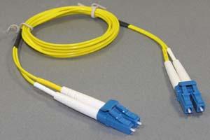 光ファイバーケーブル シングルモード (LC-LC、2芯Duplexおよび単芯Simplexタイプ)