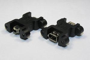 パネルマウント型 IEEE1394中継アダプタ