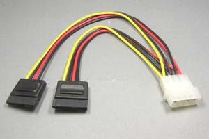SATA電源ケーブル 1:2分岐タイプ