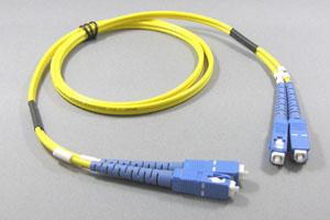 光ファイバーケーブル シングルモード (SC-SC、2芯Duplexおよび単芯Simplexタイプ)