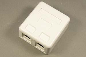 ローゼットキット(2対2、CAT6 UTPケーブル用中継配線ボックス) 【在庫限り販売中止】
