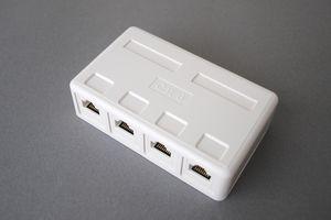 ローゼットキット(4対4、CAT6 UTPケーブル用中継配線ボックス) 【在庫限り販売中止】