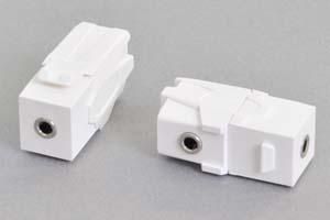 スナップイン中継コネクタ 両側3.5mmステレオミニソケット端子、背面アングル方向配線引き出しタイプ、白