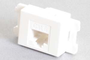 コンセントチップ(スナップインセット品) コンセント側:RJ-45(CAT6 UTP)メス/壁内側:RJ-45(CAT6 UTP)メス 横型 白
