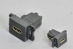 コンセントチップ(スナップインセット品) コンセント側:HDMIメス/壁内側:HDMIメス 横型 背面アングル方向配線引き出しタイプ 黒【HDMI2.0対応】