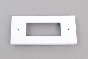 コンセントチップ対応配線ダクト2号(60×40㎜)用 コンセントチップ3個ホルダー(エムケーダクト)【マサル】