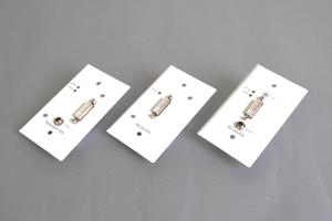 DVI-D エクステンダー(最大60m)・コンセント型(DVI-D信号延長器:UTP(LAN)ケーブル 1本 延長型) 【在庫限り販売中止】
