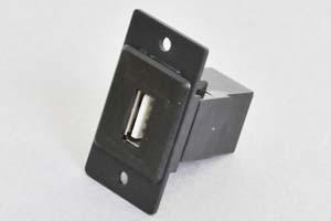 パネルマウントベゼルセット USB2.0タイプ中継コネクタ(両側Aメス) 黒色