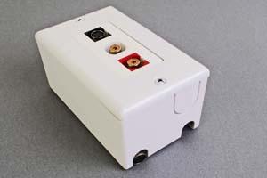 映像・音声用 露出配線ボックス(S端子+アナログ音声用(RCA赤白)、接続ケーブル付き) 【在庫限り販売中止】