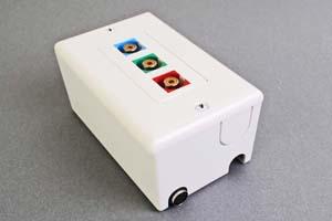 映像・音声用 露出配線ボックス(コンポーネント映像(RCA赤青緑)、接続ケーブル付き) 【在庫限り販売中止】