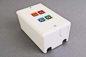 映像・音声用 露出配線ボックス(コンポーネント映像(RCA赤青緑)+デジタル音声用(RCAオレンジ)、接続ケーブル付き) 【在庫限り販売中止】