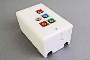 映像・音声用 露出配線ボックス(コンポーネント映像(RCA赤青緑)+アナログ音声用(RCA赤白)、接続ケーブル付き) 【在庫限り販売中止】