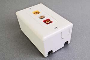 映像・音声用 露出配線ボックス(コンポジット映像(RCA黄)+アナログ音声用(RCA赤白)、接続ケーブル付き) 【在庫限り販売中止】