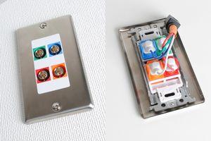 無塗装ステンレスプレート付きAVコンセント(BNC端子×4、壁面埋込配線タイプ、接続ケーブル付き)【在庫限り販売中止】