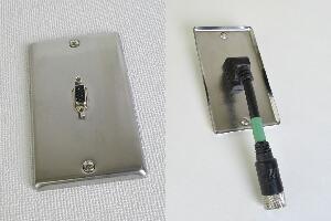 無塗装ステンレスプレート付きAVコンセント(VGA用、壁面埋込配線タイプ、接続ケーブル付き)【在庫限り販売中止】