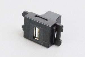 コンセントチップ(スナップインセット品) コンセント側:USB(Aコネクタ メス)/壁内側:USB(Aコネクタ メス) 縦型 黒