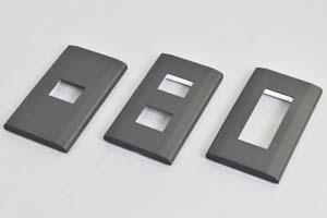取付枠内蔵型フェースプレート(角型、黒)