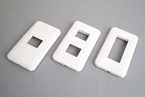 取付枠内蔵型フェースプレート(角丸型、白)