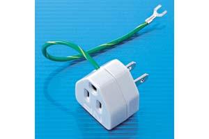 【サンワサプライ】 電源アダプタ、3P→2P ノイズフィルター・サージ吸収素子内蔵、15A・125V(合計1500Wまで)、15cmアースコード付き